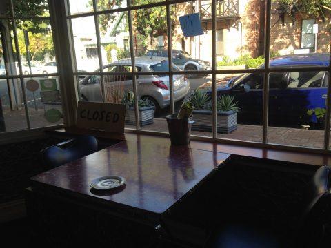 Tin Cat Café